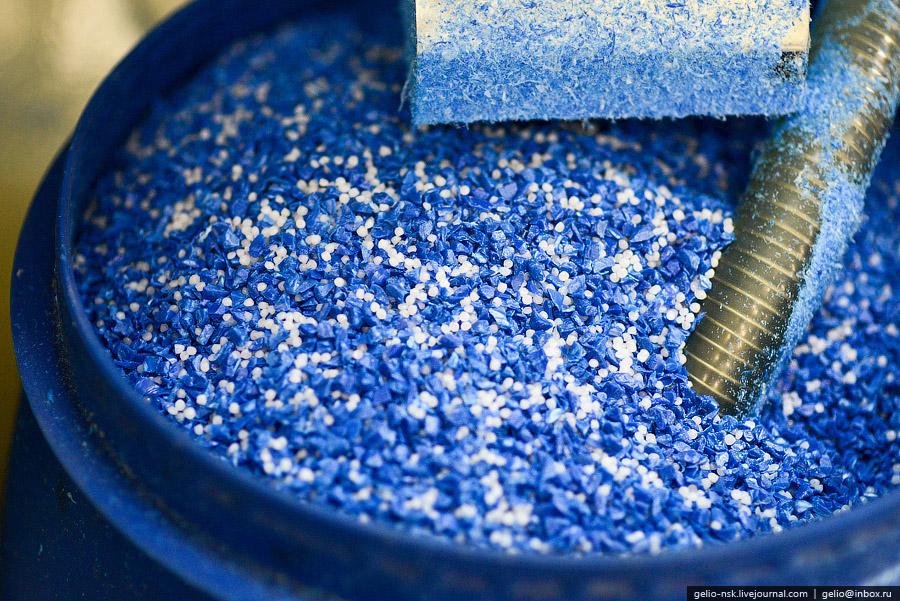 Входит в пятерку крупнейших производителей изделий из пластмассы в России.