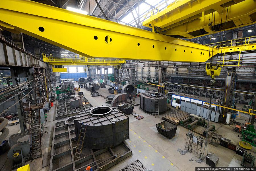 Производственные мощности «Сибэнергомаш» позволяют выпускать 30-40 котлоагрегатов, 1300—1600 тя