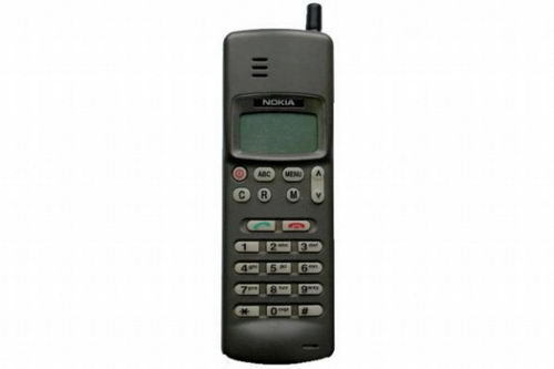 Сенсорный экран: IBM Simon Personal Communicator (1993 год) Одной из первых попыток создания коммуни