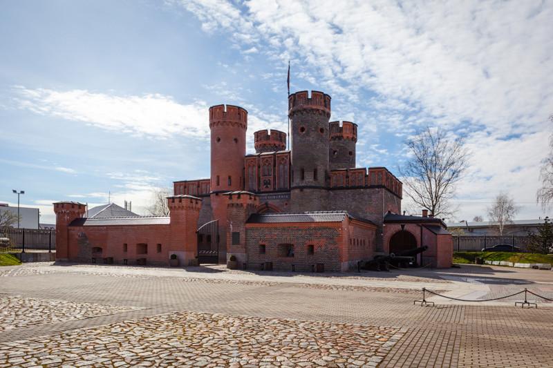 В середине 19 века крепость была модернизирована, на её месте возник защитный форт с большими ворота