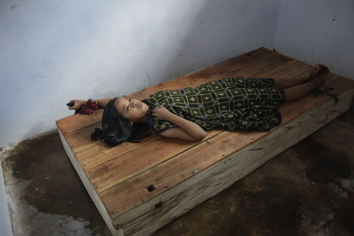 Мафтуха страдает от тяжелой формы депрессии после того, как муж ушел от нее к другой женщине.