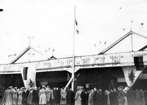 Поднятие флага Императорского Всероссийского аэроклуба на Комендантском аэродроме