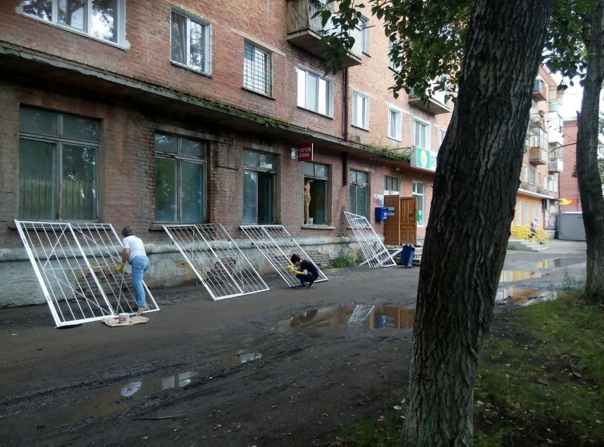 После шквала шуток в Сети в омском отделении Почты России начался ремонт
