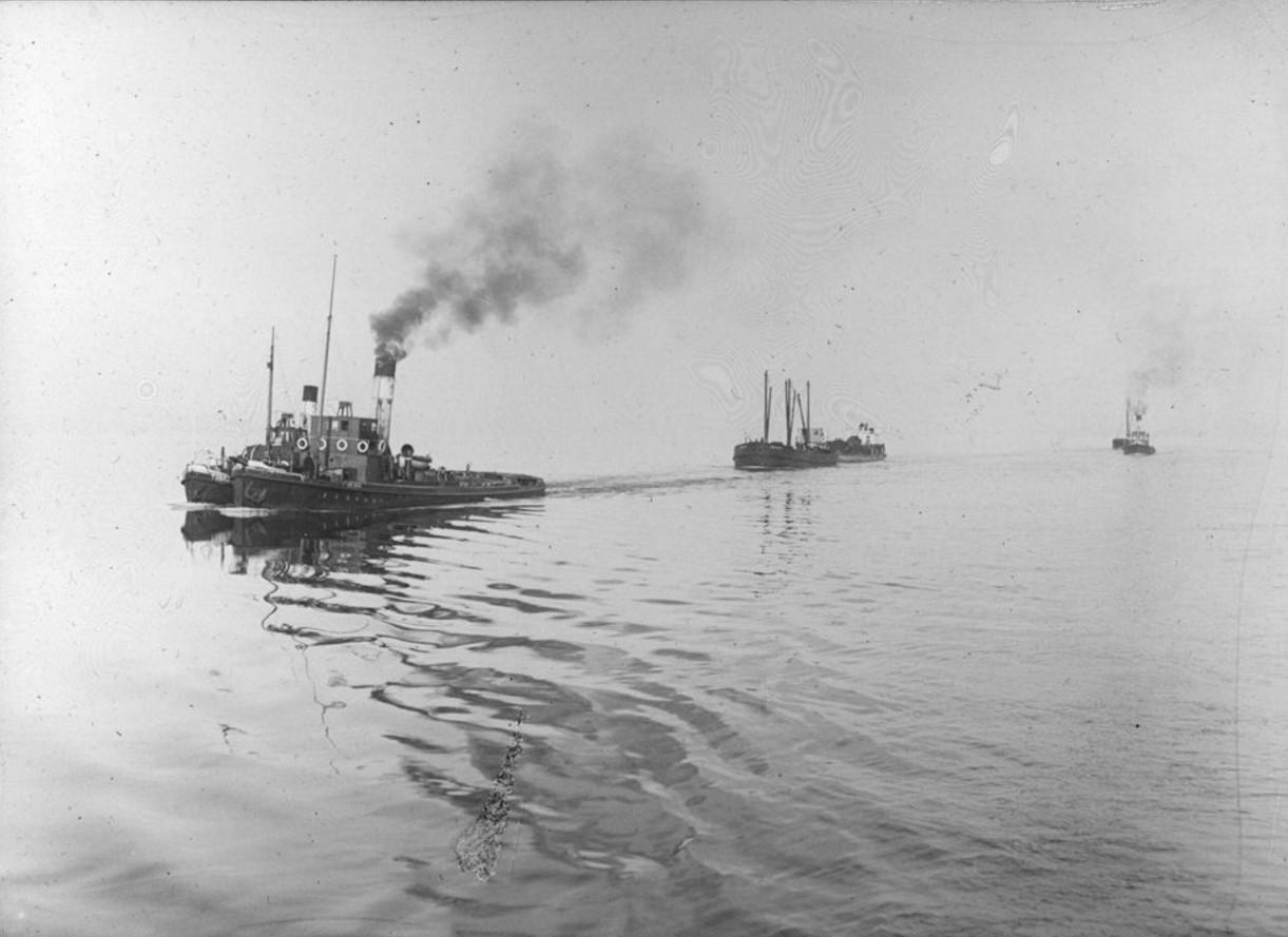 18 – 23 августа 1914. Общий вид каравана судов в Северном Ледовитом океане
