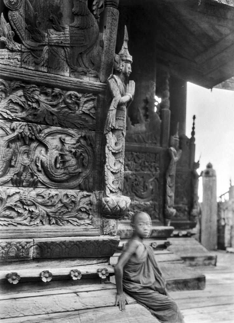 860. Мандалай. Монастырь Золотого Дворца (Швенандо Кьян), Восточный храм