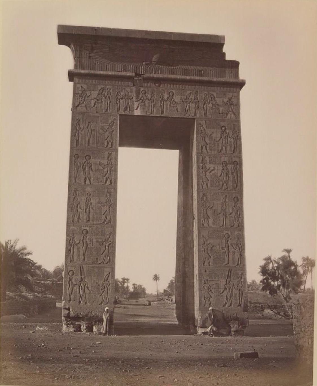Карнак. Триумфальные ворота
