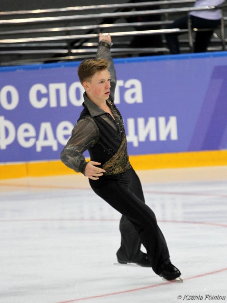 Александр Петров 0_c640e_63db4f2f_orig