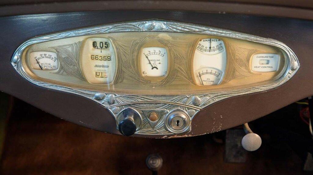 1929 Hudson Super Six Pine Cone Saloon 1.jpg