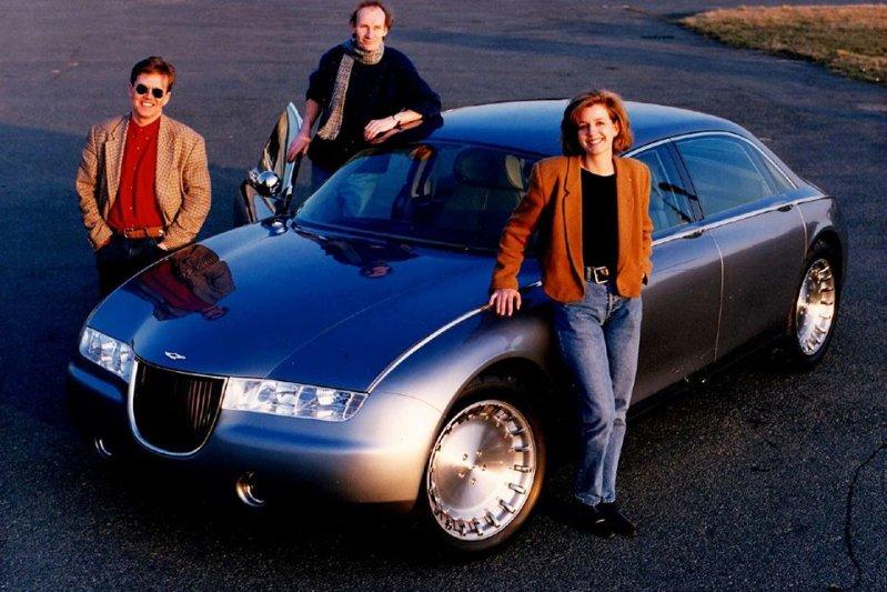 Показанный на Женевском Автосалоне 1993 года Aston Martin Lagonda Vignale от студии Ghia был построе