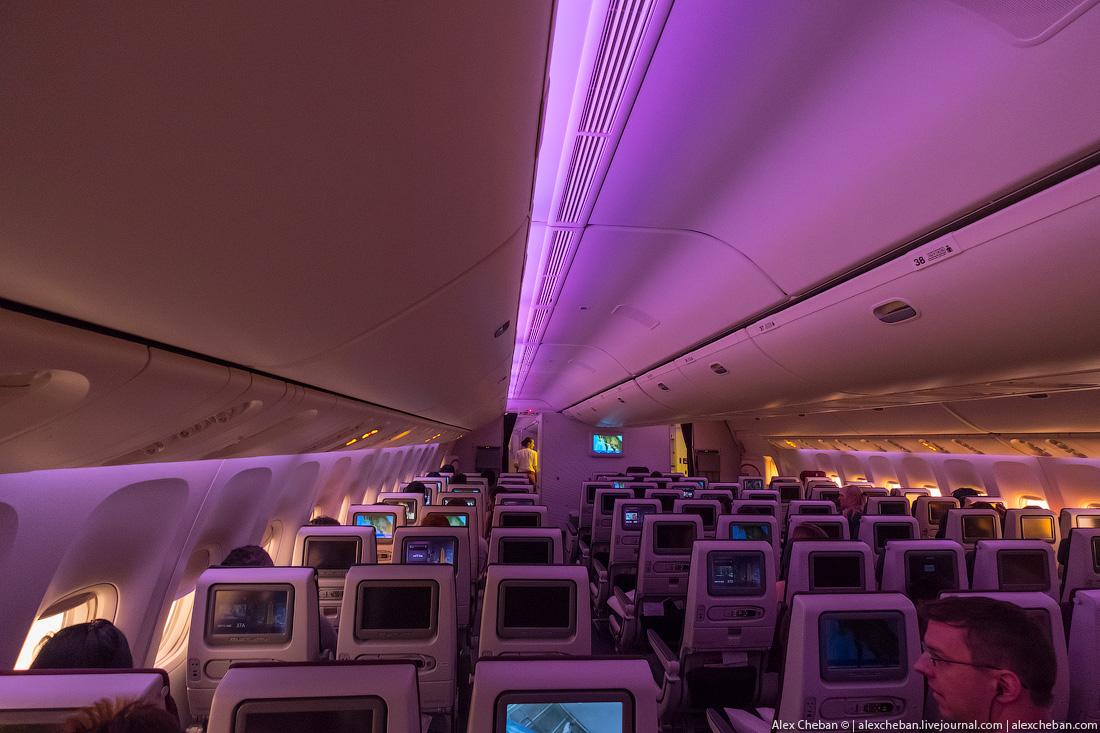 А это 3-4-3 на «Боинге-777-300ER», тоже у Qatar Airways.