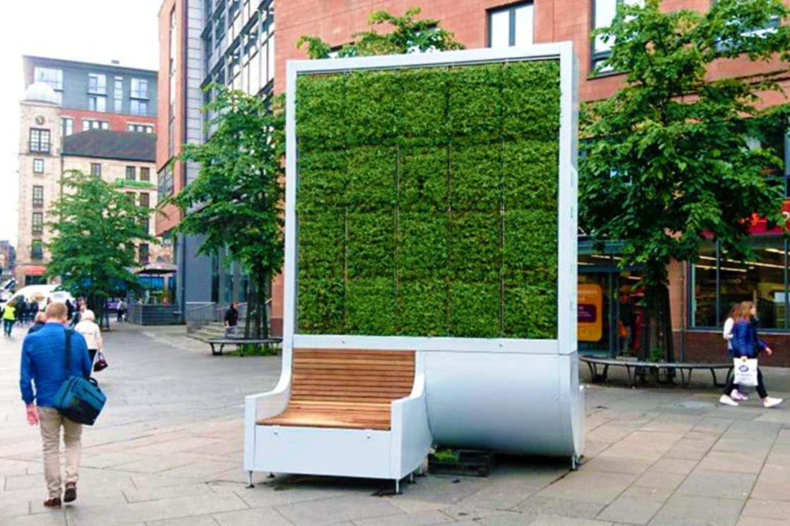 CityTree – This plant wall cleans as much polluted air as 275 trees (12 pics)