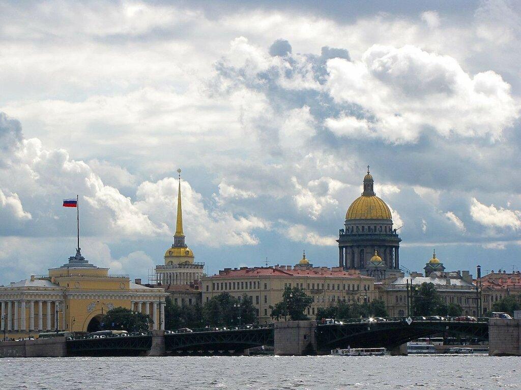 Дворцовый мост и панорама Адмиралтейской набережной..jpg