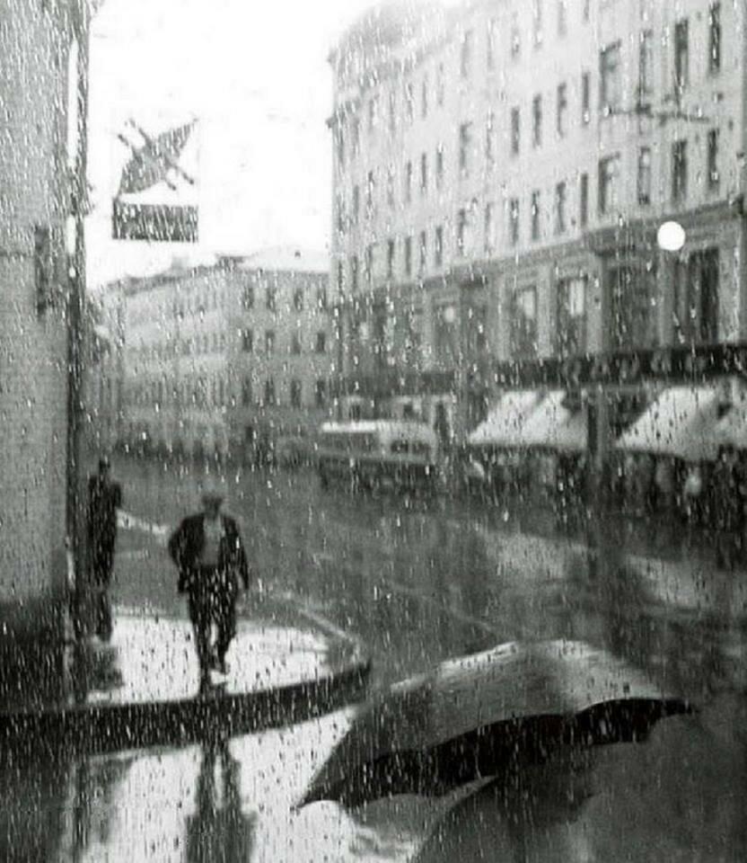 Сретенка. Дождь