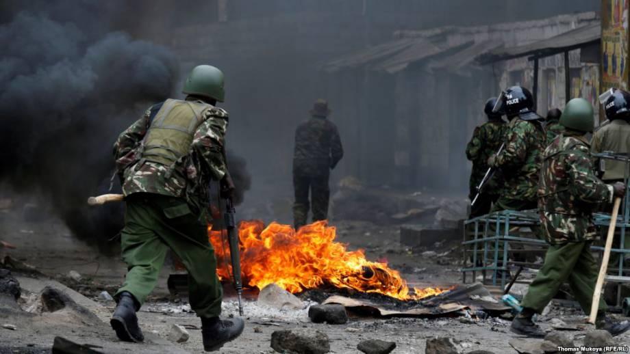 Кения: оппозиция обвиняет силовиков в убийстве 100 протестующих
