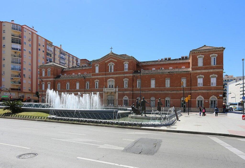 Малага. Памятник семье Галвес (Monumento a la Familia Galvez)