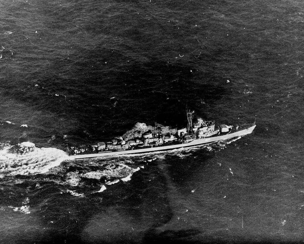 Soviet SKORYY Class Destroyer, photographed on 14 December 1961, northeast of Crete in the Mediterranean, in position 35-13 North, 27-56 East. This photograph was taken by PH3 McManus, USN, of Patrol Squadron (VP) 44.