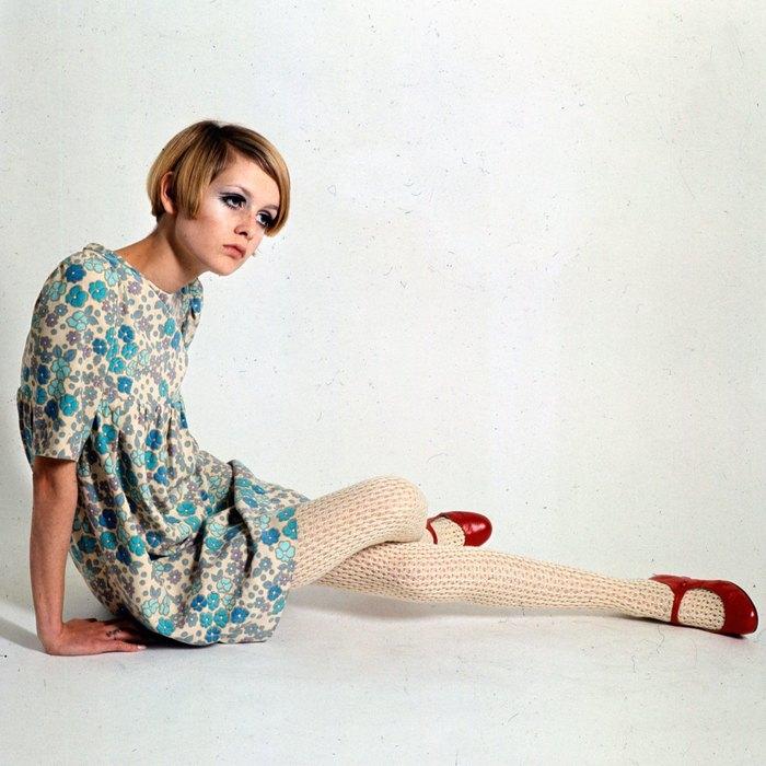 Платья беби-долл в эпоху «свингующего Лондона» стали символом своего времени. Но, согласись, этот ку