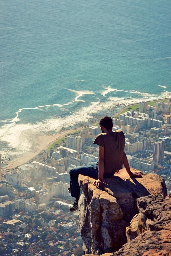 41. Гора Львиная голова возвышается над Кейптауном и полностью затмевает построенные человеком соору