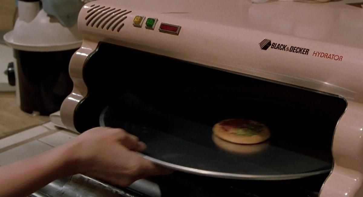 21. Мечтой футурологов, завершая рассказ об «умном доме», можно назвать и гидратор пиццы (с голосовы