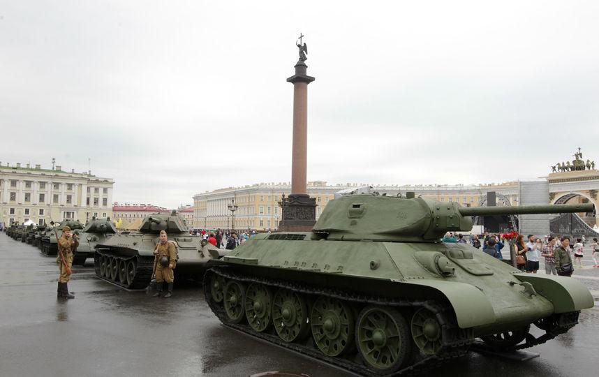 20170807_17-42-Выставка военной техники на Дворцовой площади продлится 5 дней-pic3