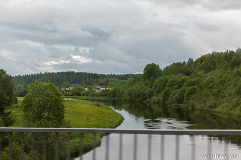 Деревня у реки, Вологодская область
