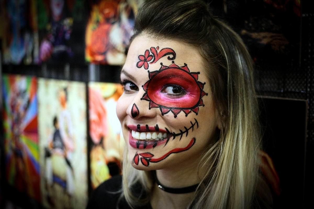 Девчонка с красным глазом: Эталон уличной красоты по-бразильски