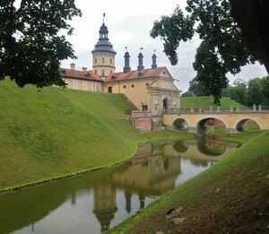 Несвижский замок. Вид на мост