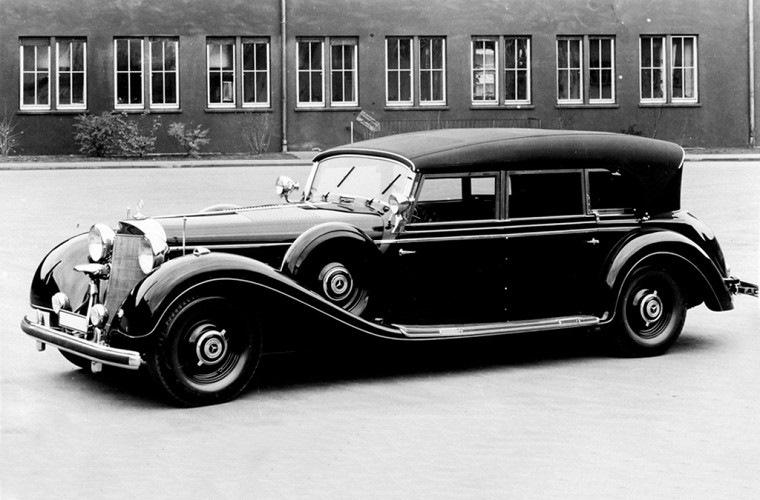 В далеком 1938 году в Третьем Рейхе представили Mercedes-Benz Typ 770 второго поколения. Эта модель,