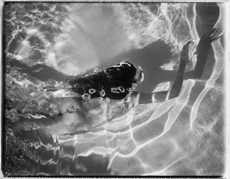 Купания голышом: красота обнаженного тела от Динны Темплтон