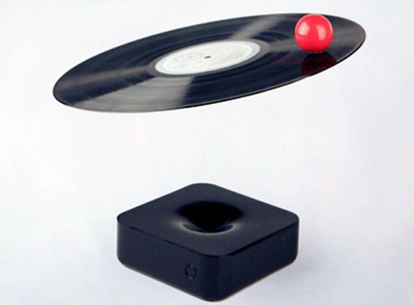 Устройство с названием Void LP player сочетает в себе технологии будущего и прошлого одновременно. К