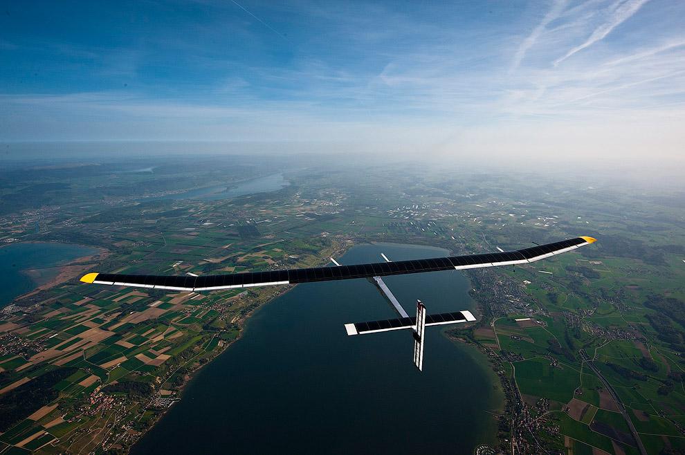 Свой первый 26-часовый полет прототип HB-SIA совершил 7-8 июля 2010 года. Самолет поднялся в во