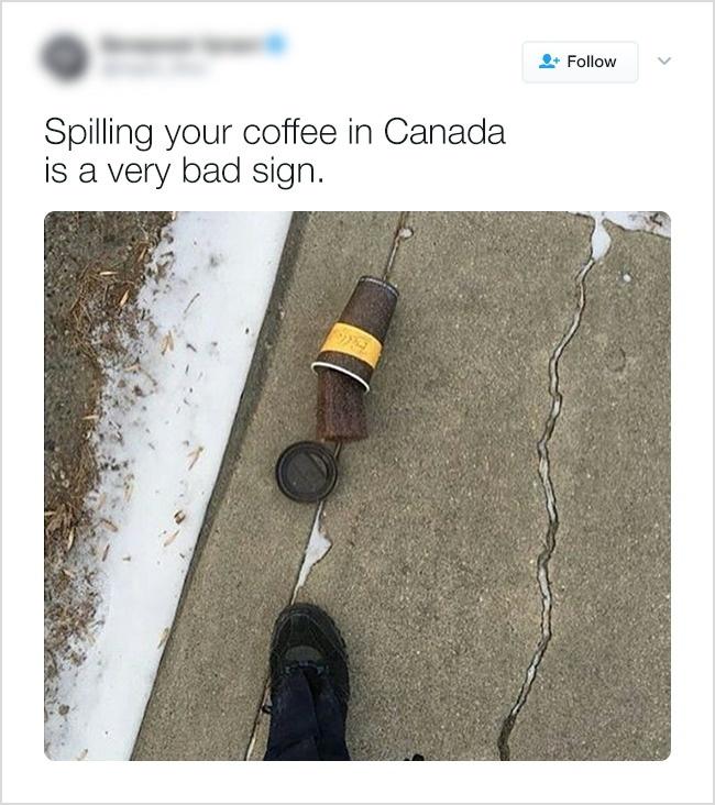 Пролить кофе — плохая примета.