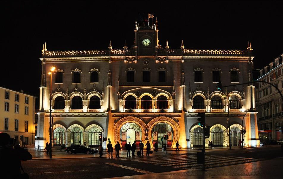7. Вокзал Росиу, Лиссабон Этот вокзал туристы нередко путают с музеем или зданием театра. Все из-за