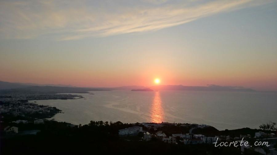 А ещё в апреле на Крите такие вот закаты!..