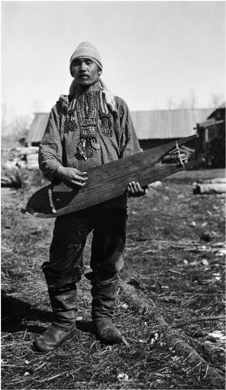 Алексей Олджигин с амулетами