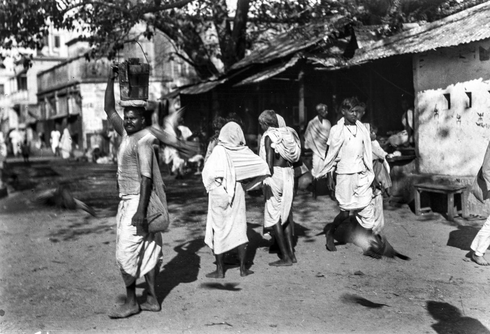 1279. Уличная сцена в Калигхате (район Калькутты)