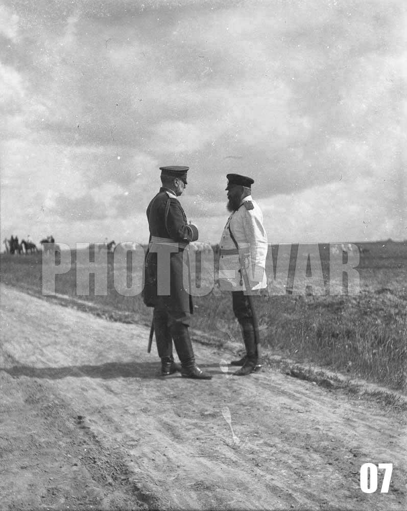 07. Владимир Александрович беседует с генерал-майором