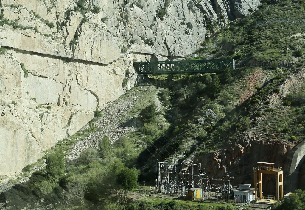 Railway bridge at the entrance to the tunnel to El Chorro.