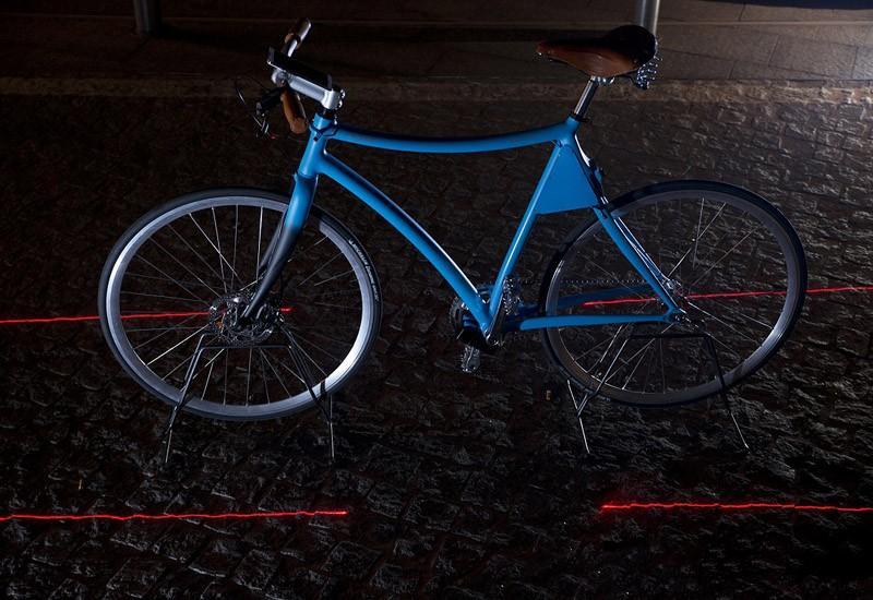 7. Samsung Smart Bike оборудован четырьмя лазерами, которые создают вокруг велосипеда своеобразную з