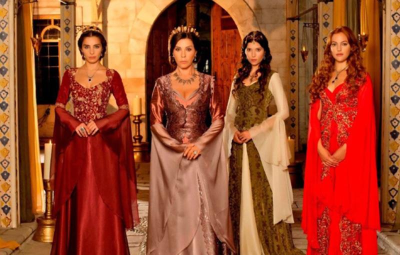 Факты о многоженстве Несмотря на то, что ислам разрешает иметь до четырех жен, далеко не каждый араб