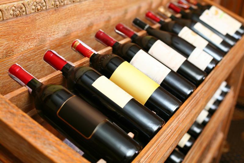 Поговорите с местными знатоками вина, имеющих личные винные погреба. Посмотрите, что они порекоменду