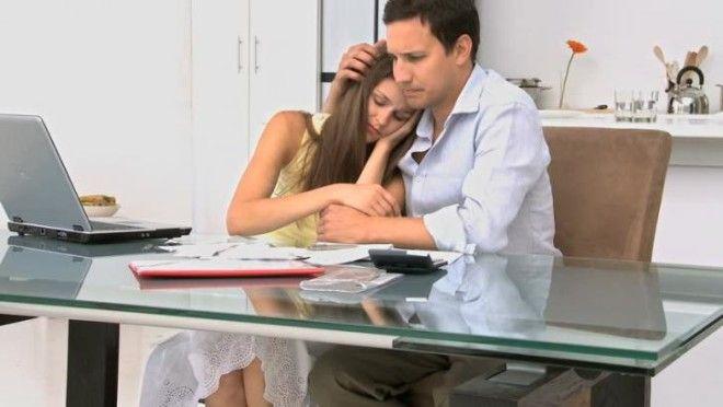 Ничто не ранит мужа больше, чем когда он видит, как его жена плачет. Он слышал, как вы тихо всхлипыв