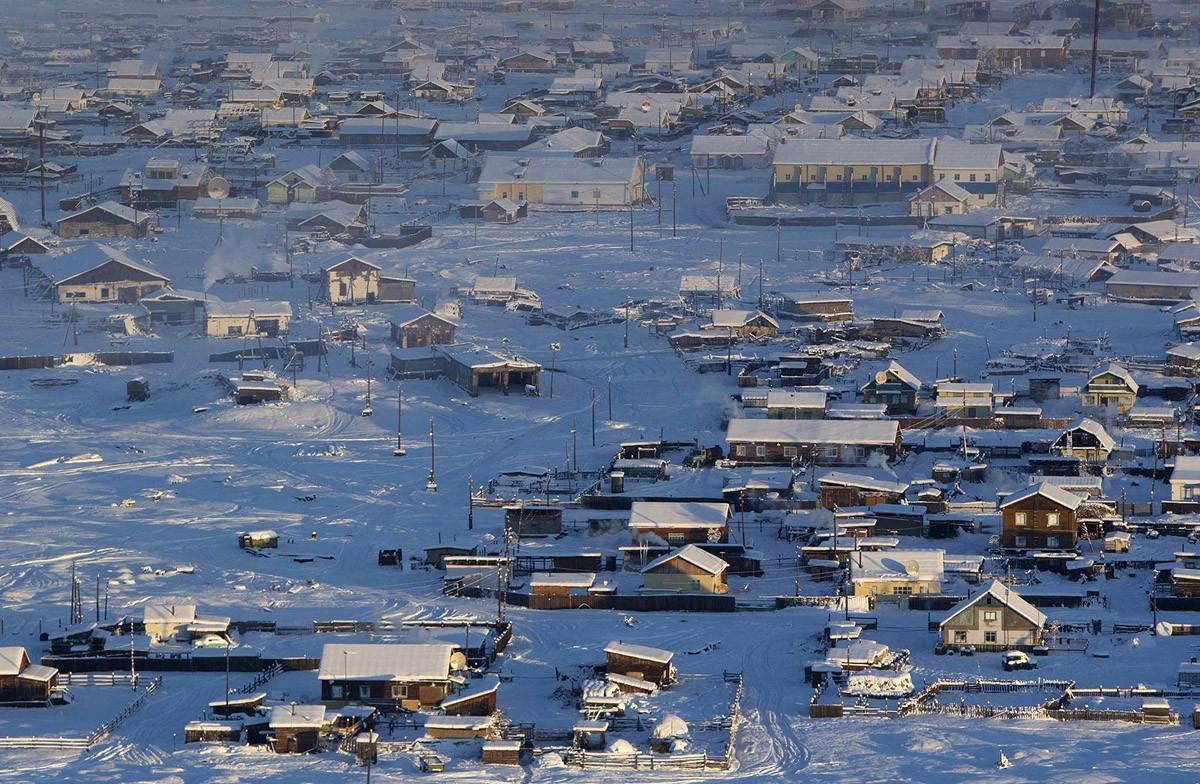9. Оймякон, Якутия Поселок Оймякон — самое холодное населенное место на планете (была зарегистрирова