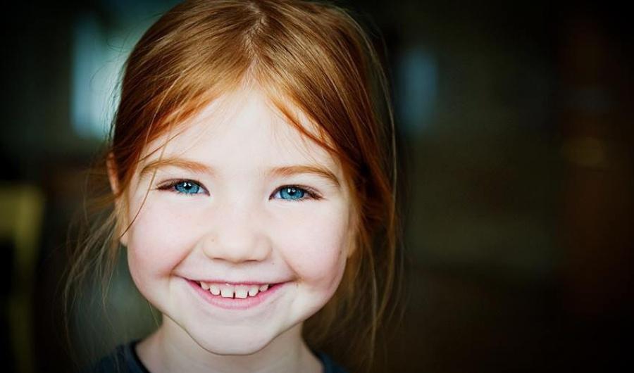 15 фотографий с самыми солнечными улыбками (17 фото)