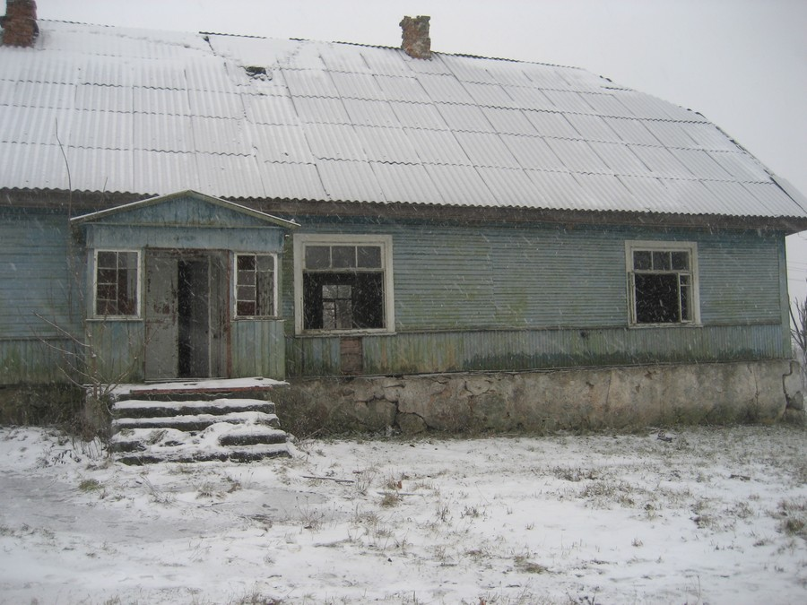 6. А так дом выглядел зимой.