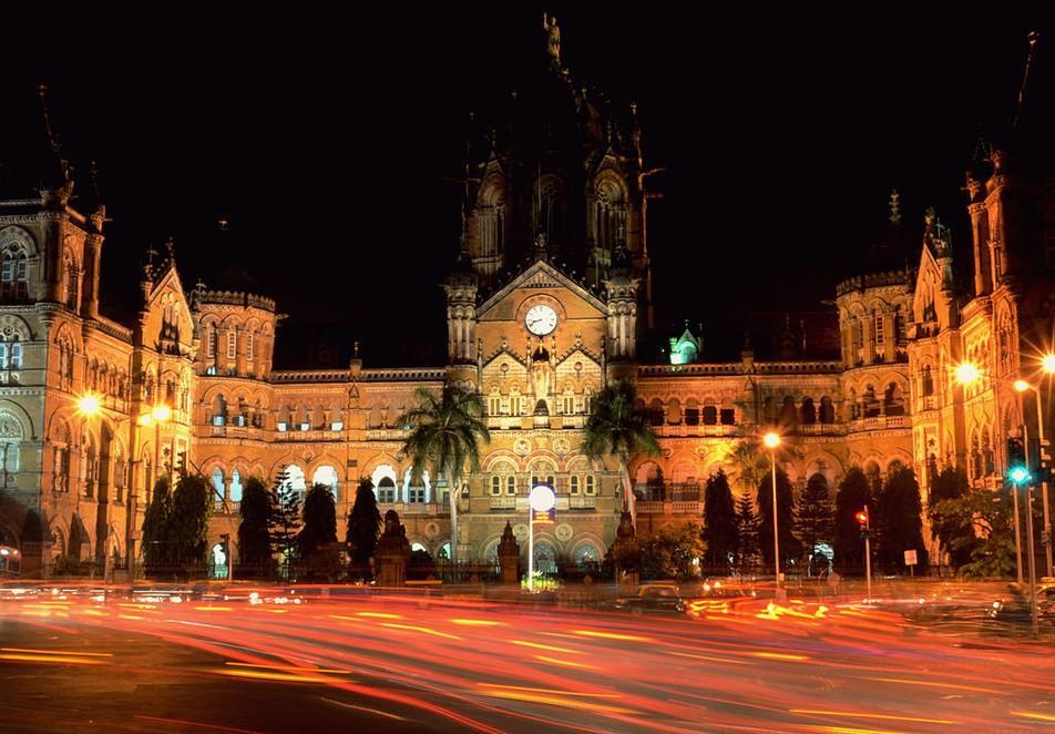 3. Вокзал Чхатрапати Шиваджи, Мумбаи Здание индийского вокзала Чхатрапати Шиваджи включено в список
