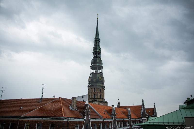 Церковь Святого Петра впервые упоминается в 1209 году, это древнейшее сооружение в Риге. До сооружен