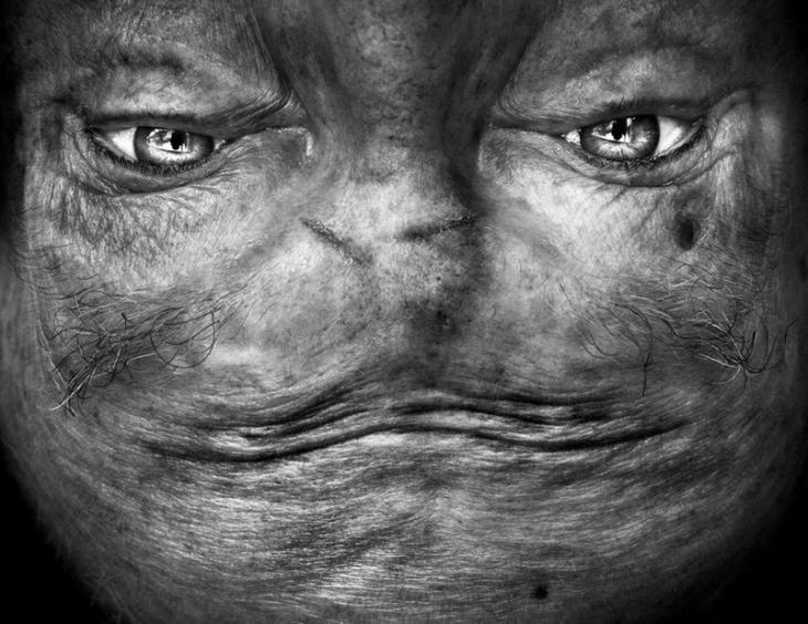 Пришельцы среди нас: перевернутое лицо, которое напоминает инопланетянина (12 фото)