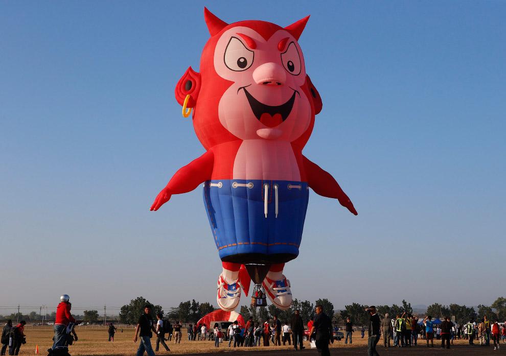 Но у воздушного шара есть и серьезный недостаток из-за отсутствия двигателя: воздушным шаром не