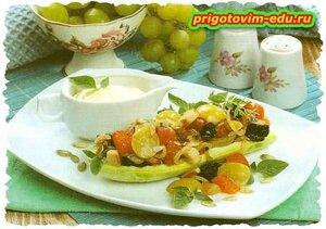 Закуска из кабачков с фруктами и орехами
